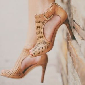 Louise et Cie laser cut sandals